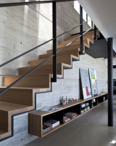 ковровая лестница на металлокаркасе