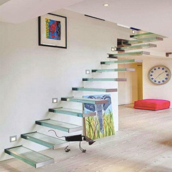 лестница на заказ_0005_консольная-лестница-из-стекла