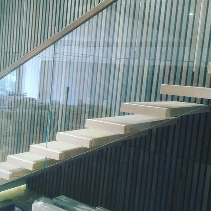 лестницы в дом_0000_поручни-деревянные