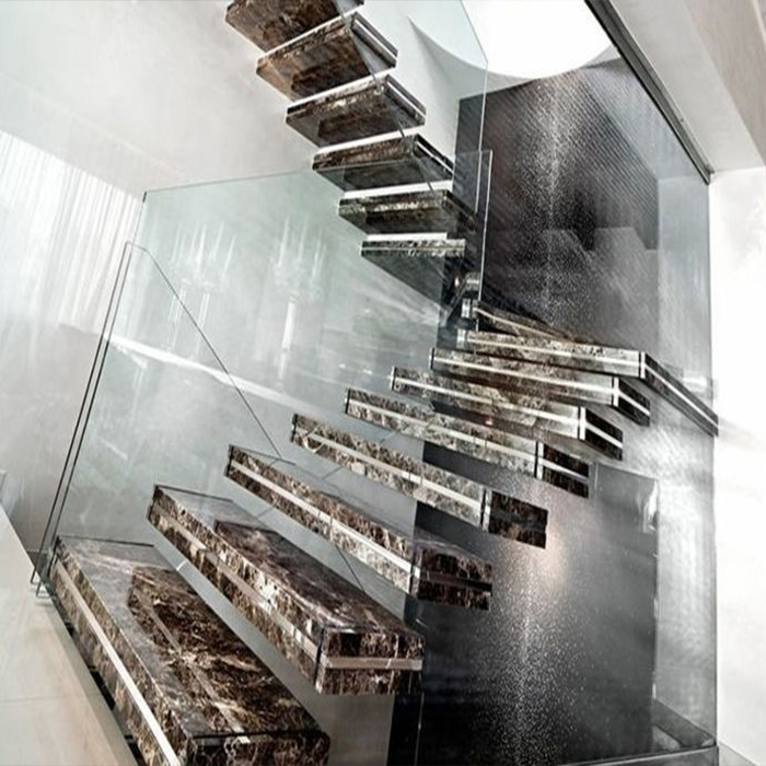 лестница из керамогранита с подсветкой и стеклом
